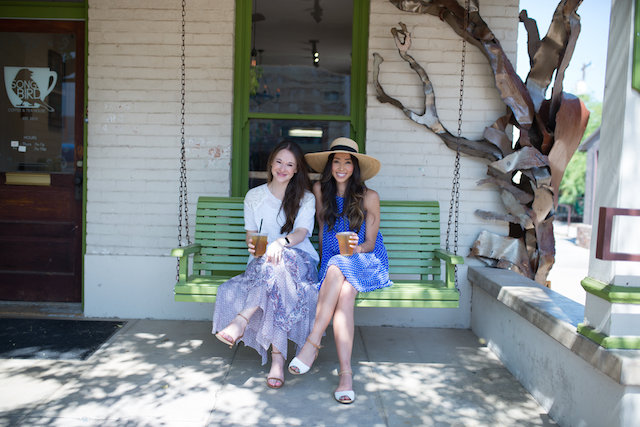 Bloguettes founders on swing