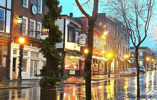 Webrooming Main Street Retail