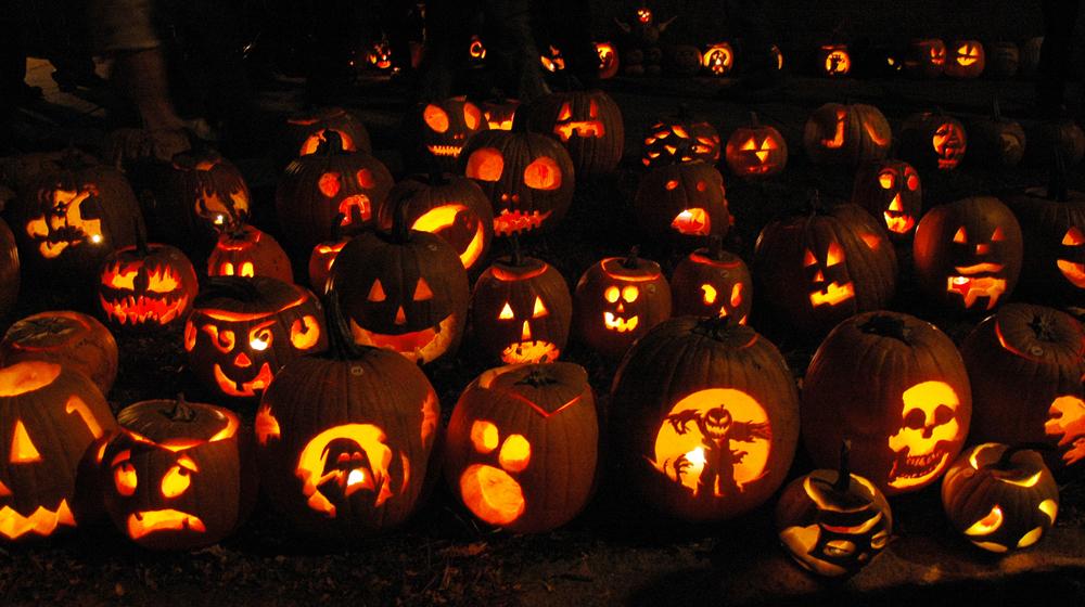 Marketing tricks to score Halloween sales [infographic] - The Garage