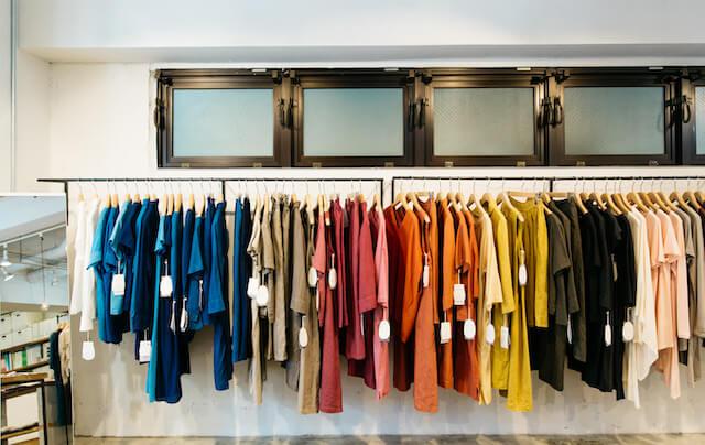 T-shirt retail display