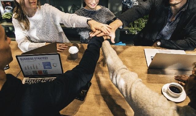 Automated Customer Service Collaboration