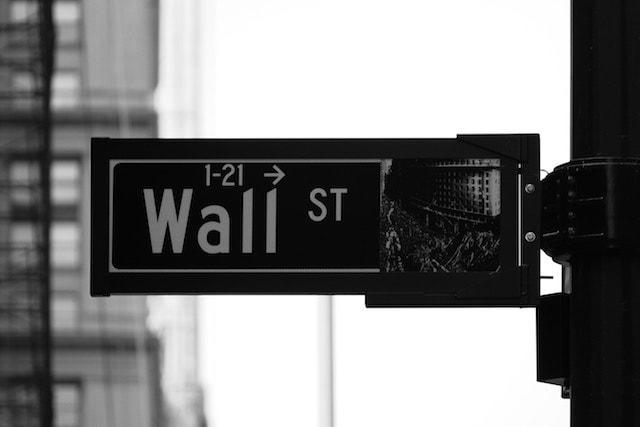 Becoming a Financial Advisor Wall Street