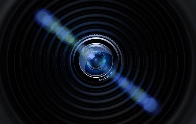 L'obiettivo della fotocamera rappresenta una forte immagine web
