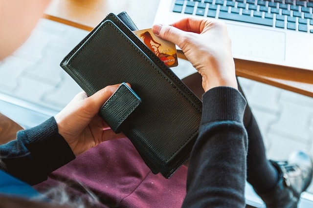 How To Sell A Website To A Client Credit Card In Wallet