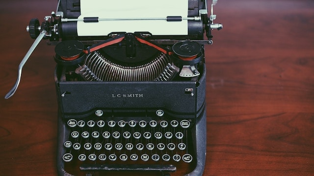 How to Start a Poetry Blog Typewriter