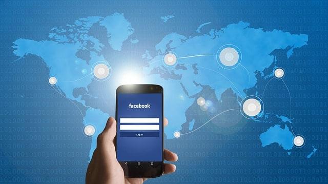 Hypertargeting Facebook On Mobile