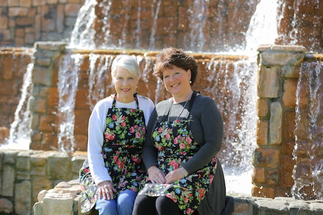 Lorina's Kitchen Mother-Daughter Owners