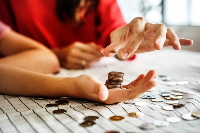 Marketing Automation Couple Counting Coins