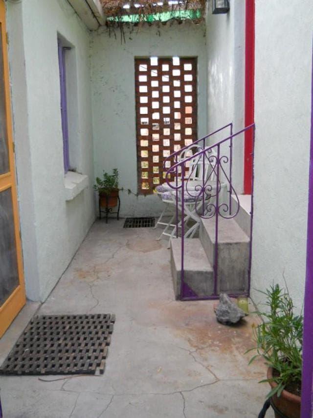 Running a Guest House Corridor