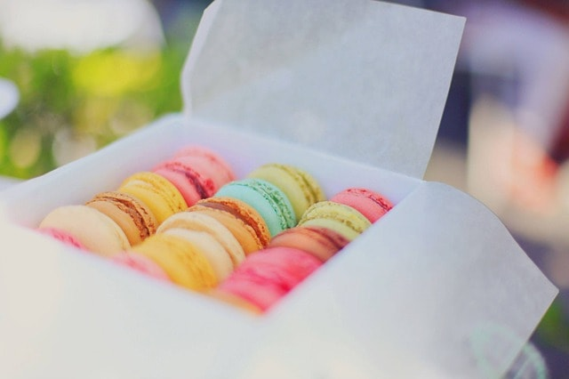 Shipping Food Macarons