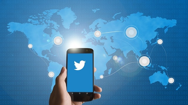 Social Media Management Hotels Twitter On Mobile